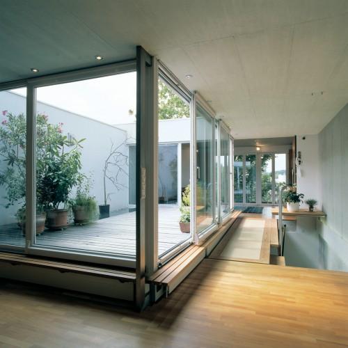 maria-I-ins-atrium-und-wohnzimmer